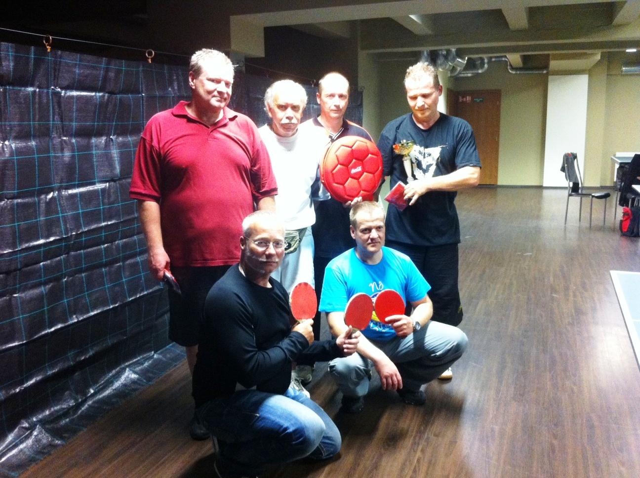 Vítězové 5.6.nahoře zleva:Courton, Řáha, Tschunko Josef a Zdeněk, dole Halamka a Mandlík