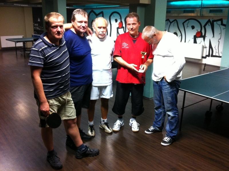 závist na pohár billiard - kulečník - ping pong Praha 10