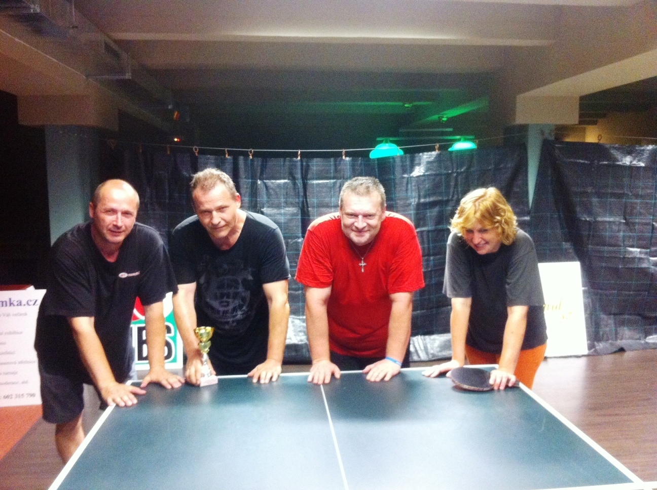 Vítěz Zdeněk Tschunko, zleva Josef Tschunko, Zdeněk, Courton a Bohdana Holá