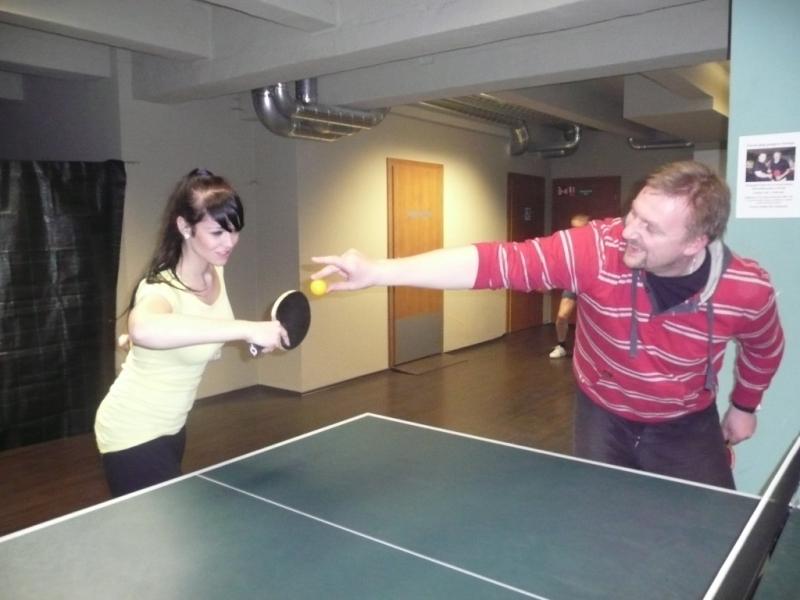 Ivanka Courtonová se nějak nemohla trefit! Radek jí podržel ...míček!