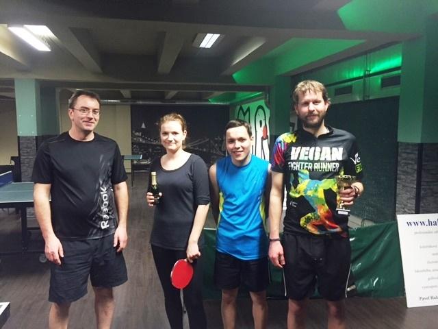Ruda Krajč představil na turnaji čtverhranou pálku a nezvítězil!