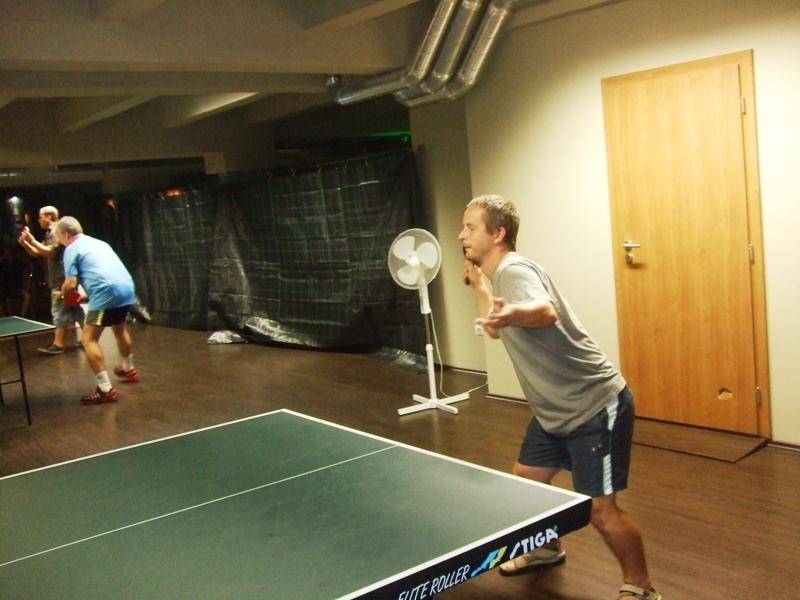 Honza Zátka a v tuto chvíli, bezmocný forhend                      kulečník - billiard - snooker - ping pong - stolní tenis - Praha 10 - Harlequin Praha - bowling - šipky - fotbálek - zábava - feremní večírky - svatby